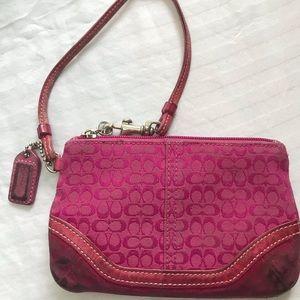 Coach - vintage pink / fuchsia mini logo wristlet